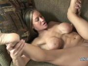 Leeanna Heart gets her loose pussy pounded