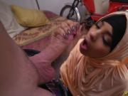 Teen arab slut suck a huge cock like a pro