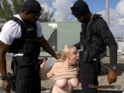 White Trash Kiki Parker Sucks Black Cocks Of Cops
