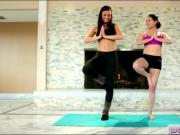 Yoga session turns into an intimate lesbian action