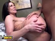 BANGBROS - Big Ass MILF Kendra Lust Fucked By Juan Largo on Ass Parade