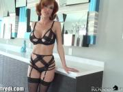 Veronica Avluv Squirts from Ass Play
