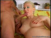Blowjob From A Pregnant Lady
