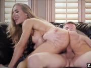 Jessy Jones fucks Nicole Anistons pussy on top