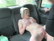 Sexy blond babe railed in her coochie in the backseat