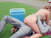 Horny babe Alessandra Jane rides the buskers dick