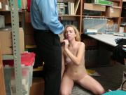 Blondie hot chick Zoe Parker opens her sweet pussy
