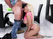 Bombshell Luna Star Devours Big Cock Of Handyman