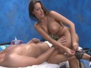 Deep pussy massage for hottie