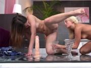 Lovely nympho is geeting pissed on and squirts wet twat