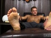Straight male foot worship gay Tyrell's Sexy Feet Worsh