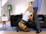 Cute chick gives perfect blowjob