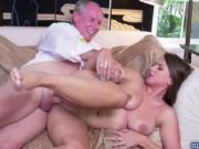 Sizzling chick Ivy Rose gets fucked