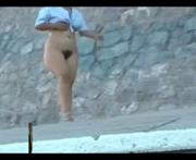 Madura Caminando Desnuda Al Aire Libre