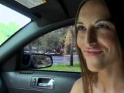 Juicy lady doesn't mind having sex