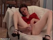 Sexy milf gets horny dildo fucking her pussy by MatureX