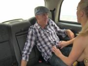 Dude got lucky with blonde in taxi