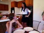 stepmom does not hide lust