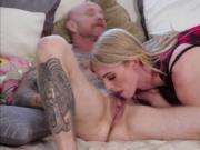 Slut tsbabe Mandy Mitchell gives wet pussy a hardcore f