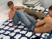 Twink sex Cummy Foot Rub For Hot Boys