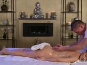 Slim babe bangs masseurs big dick