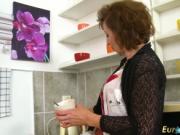 EuropeMaturE Dana Seductive Coffee Time Showoff