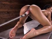 Toned ebony fucking machine till orgasm