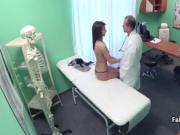 Doctor banging brunette until cumshot