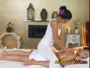 Sexy Chick Gives Client A Sensual Massage