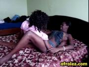 It is boring afternoon so these hot ebony lesbians deci