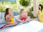 Chloe Couture and Zoey Laine spread their legs for plea