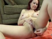 Lia Shayde fucks her mature pussy with veggies