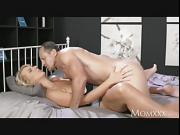 Experienced man licking housewifes pussy