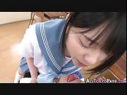 Japanese schoolgirl tugs