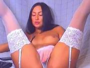 russian whore masturbates on cam