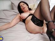 Mature NL - British granny fooling around