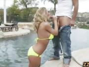 Incredible hot blonde Nicole Aniston outdoor fucking