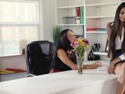 Milf fingered by boss in her office