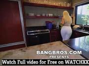 ALEXIS ANDREWS BIG ASS MAID CLEANS AND FUCKS