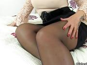 Scottish milf Toni Lace lets you enjoy her succulent body
