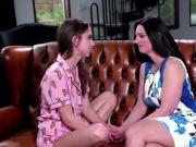 Mindi Mink had some fun with Riley Reid