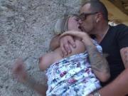 Espagnole a gros seins se fait baiser en exterieur