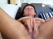 Milf Pleasing Her Pussy With A Vibrator