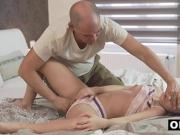 Hot Teen's Anal Sexual Fantasy With Older Guy Comes True
