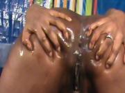 Nilou Achtland has an amazing anal orgasm and gapes !!!