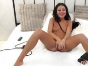 Sexy brunette bitch on webcam masturbating her tight warm pu