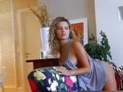 Khrystine Guimaraes - BellaClub