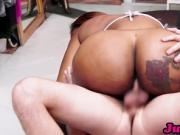 Jugg Porn - Moriah Mills closes the store to get pumped