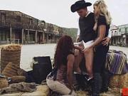 Jessa Rhodes outdoor threesome