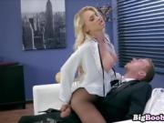 Alix Lynx Skipping class for fuck a hard dick